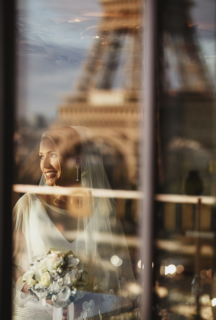 bride portrait in paris