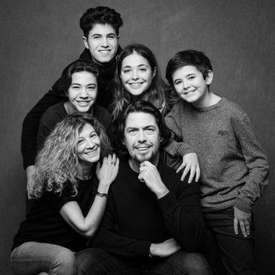 photo de famille en studio 0002 1024x1024